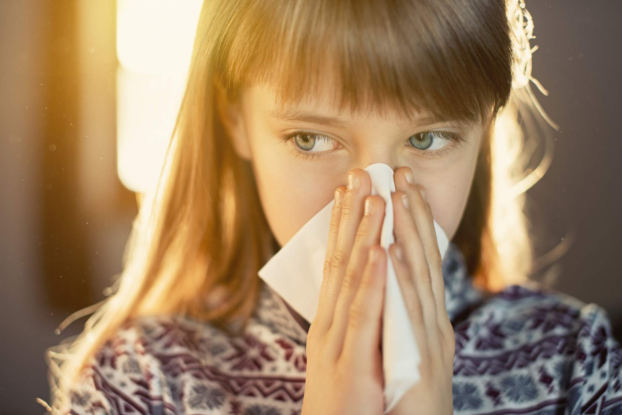 dust-allergy---little-girl-cleaning-runny-nose-539258825-5ad33b041f4e1300387aa098